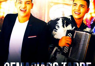 El joven cantante Juanse Solano y su acordeonero, Andrés 'Pipe' Quintero, lanzan este viernes el video de la canción que se titula: 'Demasiado tarde'