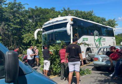 Un herido en accidente del bus de Oscar Gamarra